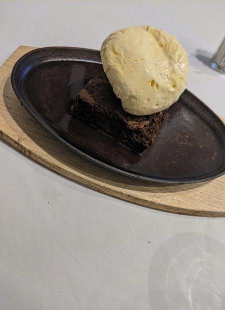 ice cream on brownie